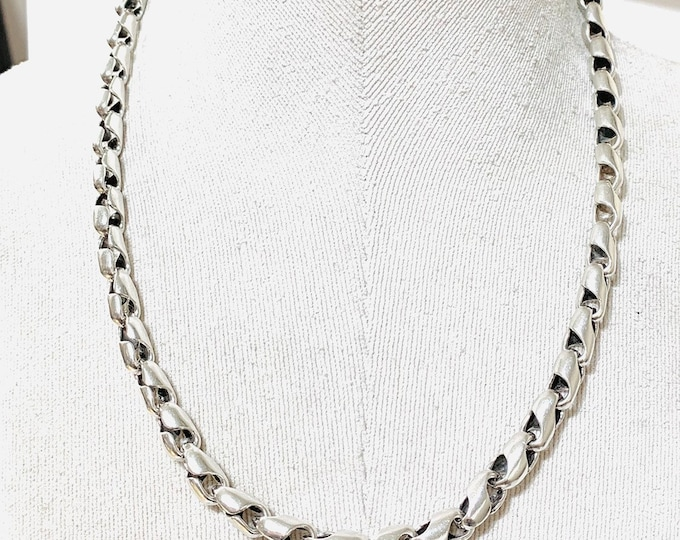 Superb heavy vintage sterling silver 21 inch Tulip link chain - fully hallmarked