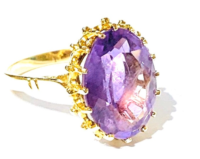 Superb vintage 9ct yellow gold Amethyst ring - hallmarked London 1978 - size O or US 7