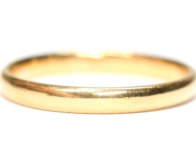 Vintage 22ct yellow gold wedding ring - hallmarked Birmingham 1951 - size N or US 6 1/2