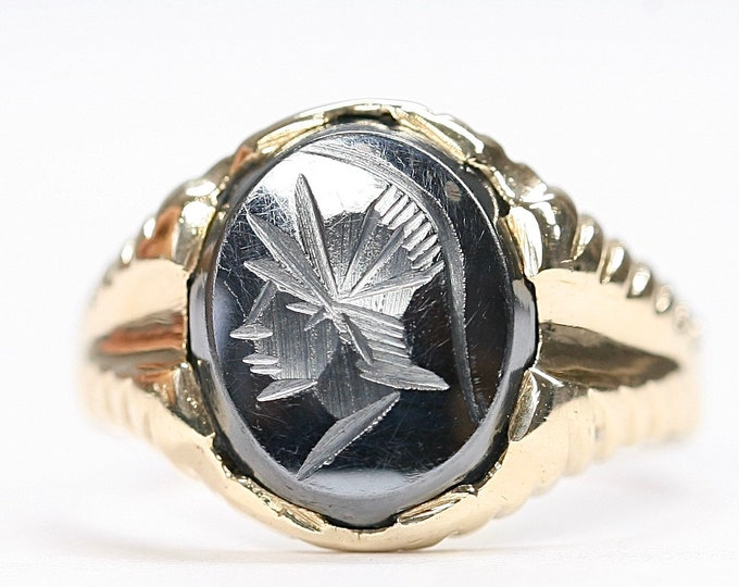 Stunning vintage 9ct yellow gold carved Hematite signet or pinky ring - hallmarked London 1980 - size N or US 6 1/2