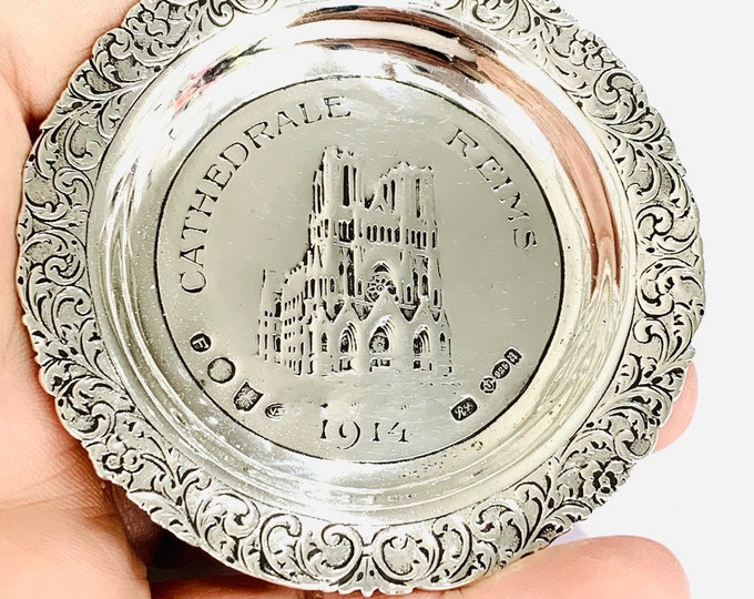 Stunning antique sterling silver commemorative pin dish 'REIMS CATHEDRALE 1914' - hallmarked London 1916