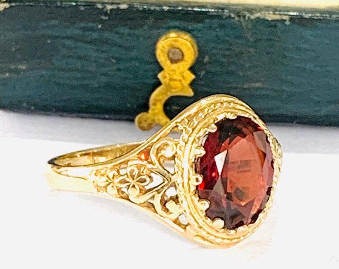 Superb vintage 9ct yellow gold Garnet ring - hallmarked Birmingham 1989 - size M or 6
