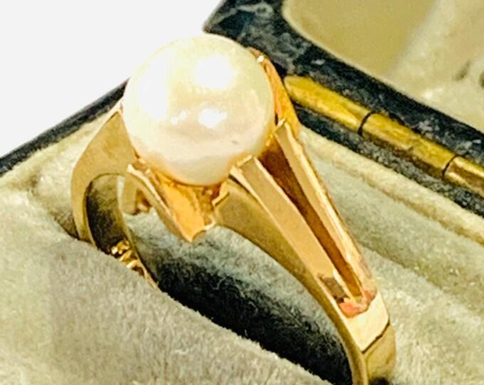 Stunning vintage 9ct yellow gold Pearl ring - hallmarked London 1968 - size J - 4 1/2