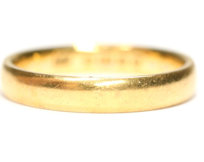 Superb antique 22ct gold wedding ring - hallmarked Birmingham 1921 - size M or US 6