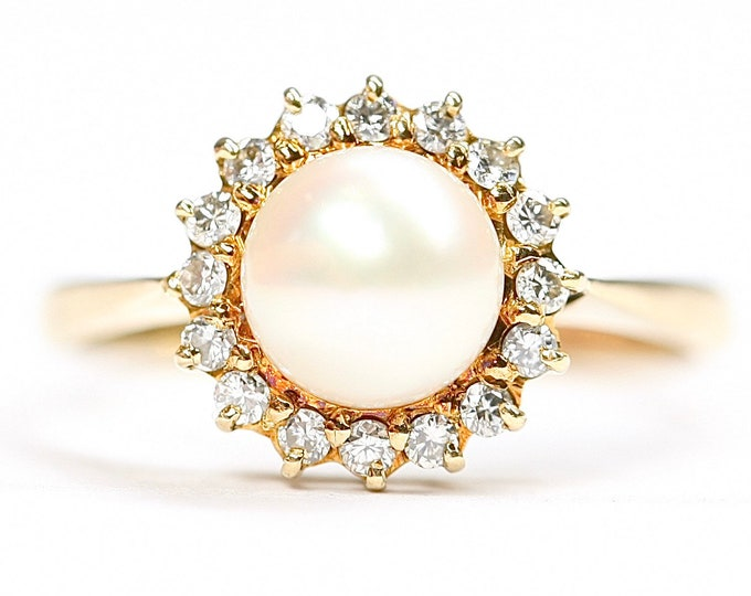 Beautiful vintage 18ct gold Pearl & Diamond statement ring - hallmarked London 1983 - size N 1/2 or US 6 3/4