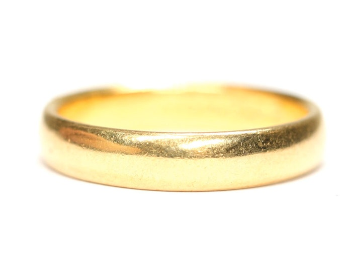 Superb vintage 22ct gold wedding ring - hallmarked Birmingham 1965 - size M / 6