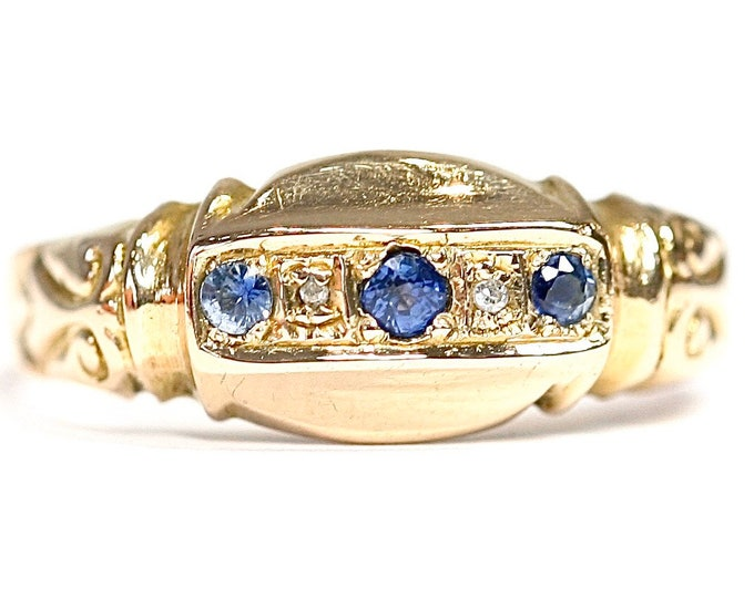 REDUCED ***Beautiful 101 year old 18ct gold ring with cornflower blue Sapphires & Diamonds - hallmarked Chester 1919 - size O or US 7