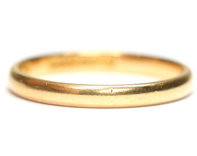 Vintage 22ct gold wedding ring - hallmarked Birmingham 1955 - size N or US 6 1/2