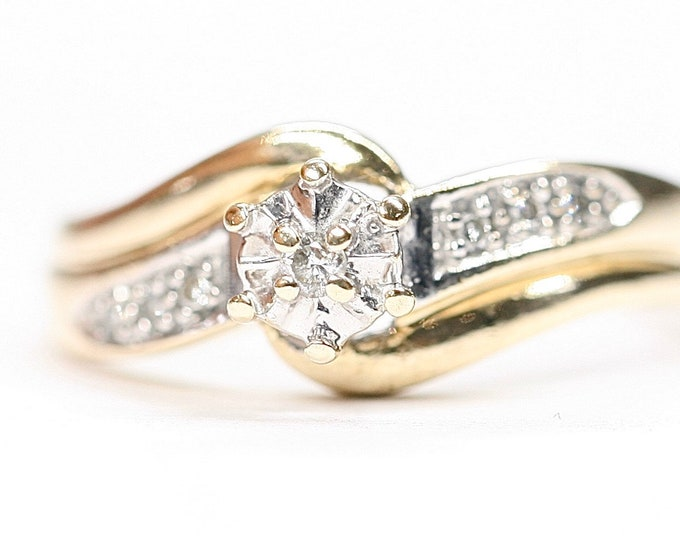 Stunning vintage 9ct white and yellow gold 0.07 Diamond ring - hallmarked Birmingham 2000 - size P or US 7 1/2