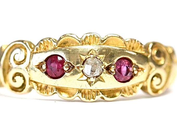 Superb antique Edwardian 18ct gold Diamond and Ruby ring - size L or US 5 1/2