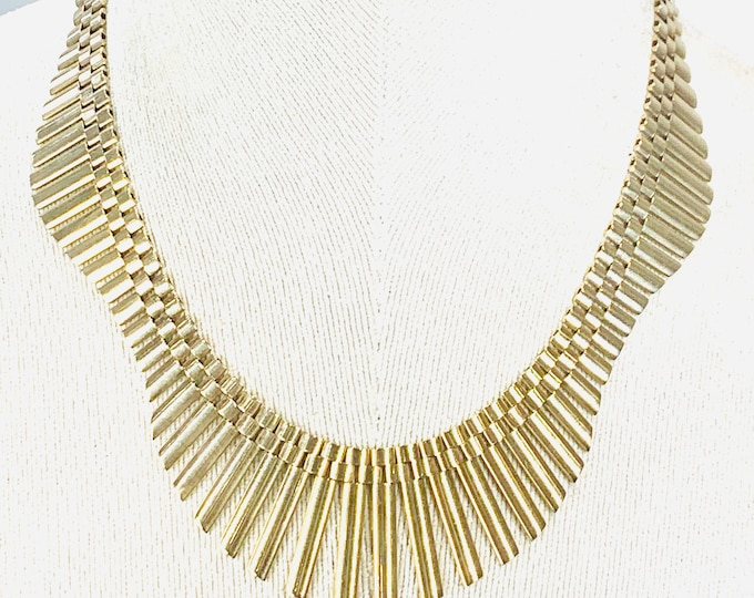 Reduced **** Stunning vintage very heavy 9ct gold 17 inch fringe necklace - hallmarked Birmingham 1967 - 57gms