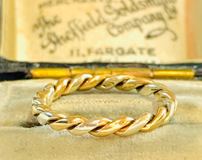 Stunning vintage ladies or childs (small size) 9ct white and yellow gold twist rope ring - fully hallmarked - size E - 2 1/2