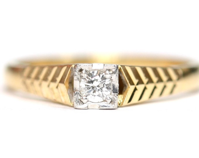 Stunning antique 18ct gold and Platinum Diamond ring / engagement ring - size L or US 5 1/2