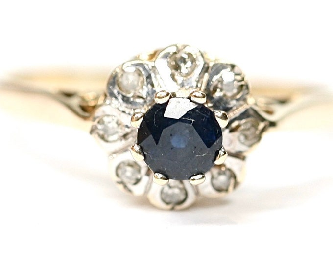 Superb vintage 9ct yellow gold Sapphire and Diamond cluster ring - Birmingham 1977 - size K or 5