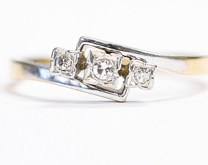 Stunning antique Art Deco 18ct gold & Platinum Diamond ring / engagement ring - size N or US 6 1/2