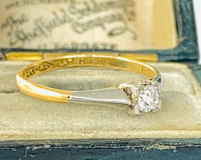 Stunning antique 18ct gold and Platinum Diamond engagement ring - size L - 5 1/2