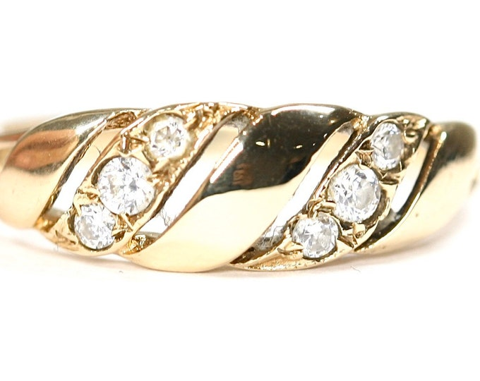 Vintage 9ct yellow gold Cubic Zirconia ring - hallmarked Birmingham 1988 - size O or US 7