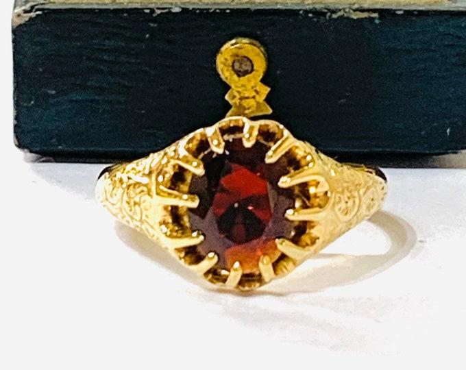 Superb antique Edwardian 18ct gold Garnet signet or pinky ring - hallmarked Birmingham 1903 - size P or 7 1/2
