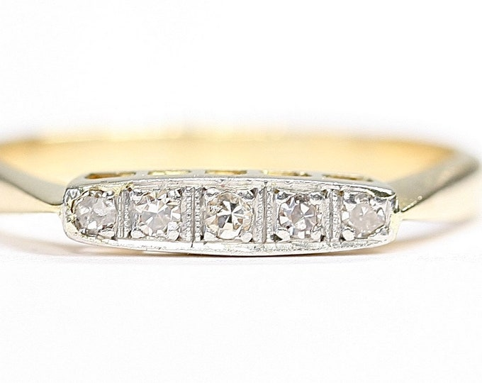 Sparkling antique 18ct gold Diamond ring / engagement ring - size P or US 7 1/2