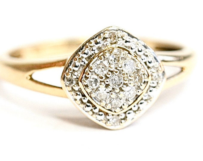 Superb sparkling vintage 9ct yellow gold 0.15 Diamond cluster ring - fully hallmarked - size L or US 5 1/2