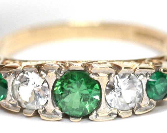 Stunning vintage 9ct gold Emerald and white paste ring - hallmarked Birmingham 1964 - size O or US 7