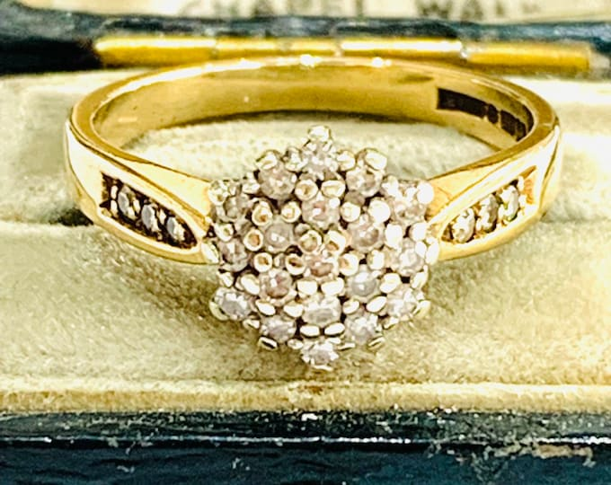 Vintage 9ct gold Diamond cluster ring - Birmingham 1989 - size M 1/2 - 6 1/4