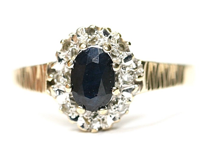 Superb sparkling vintage 9ct gold Sapphire and Diamond engagement ring - fully hallmarked - size N or US 6 1/2