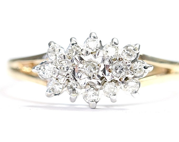 Sparkling vintage 9ct gold 0.20 diamond cluster ring - hallmarked Sheffield 1992 - size N or US 6 1/2
