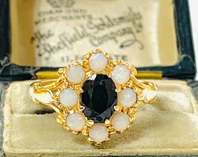 Stunning vintage 14ct yellow gold Sapphire and Opal cluster ring - fully hallmarked - size O or 7
