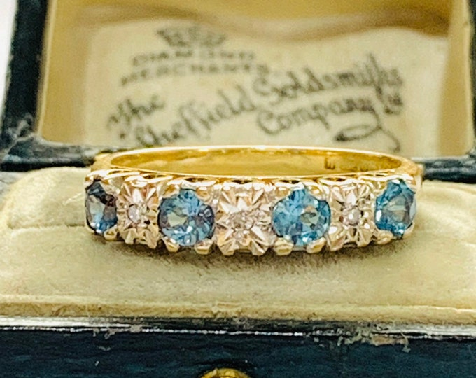 Sparkling vintage 9ct gold Topaz and Diamond ring - hallmarked Sheffield 1994 - size O or 7