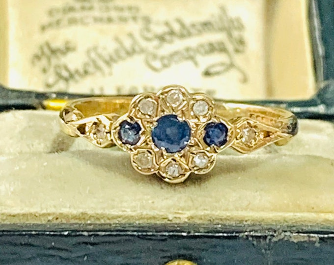 Pretty vintage 9ct yellow gold Sapphire and Diamond cluster ring - hallmarked Birmingham 1998  - size L - 5 1/2