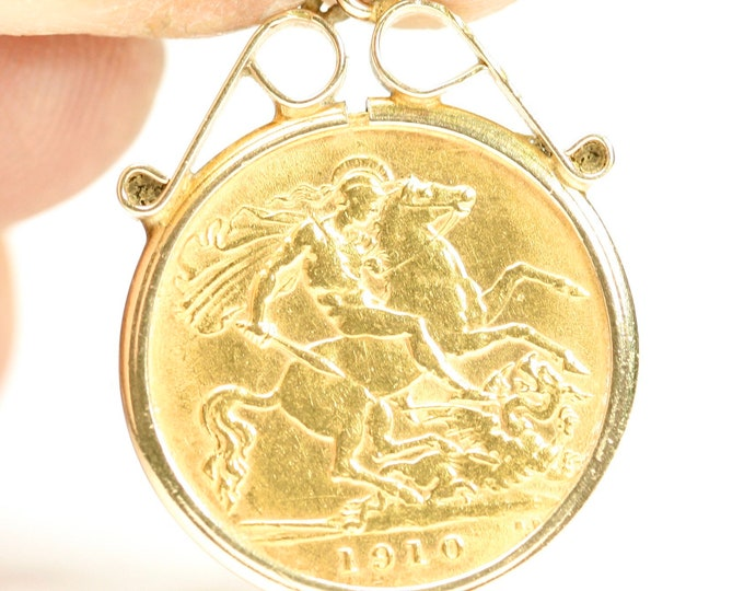 Superb antique 1910 Edwardian 22ct gold 1/2 Sovereign pendant in a 9ct gold pendant mount - fully hallmarked