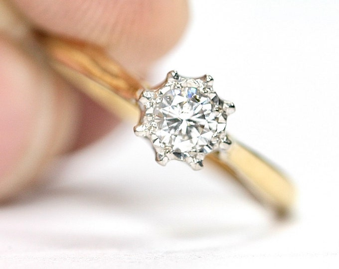Beautifully sparkling antique 18ct gold and Platinum 0.20 Diamond ring / engagement ring - size K or US 5 1/4