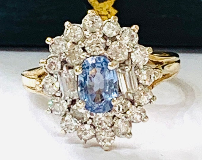Sparkling vintage 9ct gold Cubic Zirconia cluster ring - hallmarked Birmingham 1989 - size K or 5