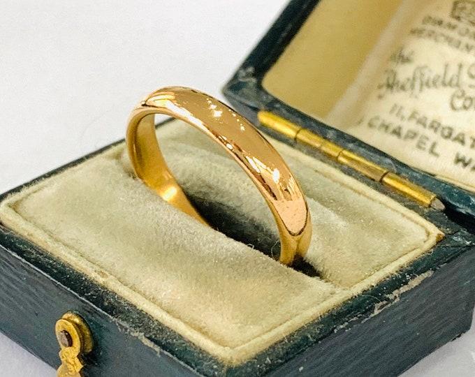 Antique 22ct gold wedding ring - hallmarked Birmingham 1928 - size N - 6.5
