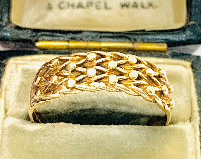 Vintage 9ct yellow gold Keeper ring - fully hallmarked - size T - 9 1/2