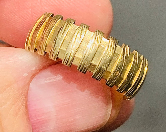 Superb vintage 9ct yellow gold Mens patterned wedding ring - hallmarked London 1983 - size T or US 9.5