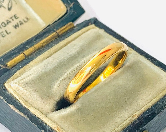 Superb antique 22ct gold wedding ring - hallmarked Chester 1934 - size K or US 5