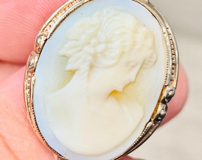 Superb large vintage 10K gold carved shell Cameo ring - size L or US 5 1/2
