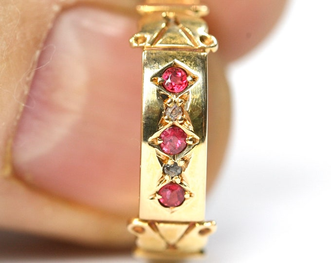 Stunning 113 year old Edwardian 18ct gold Ruby and Diamond ring & original box - hallmarked Birmingham 1907 - size Q or US 8