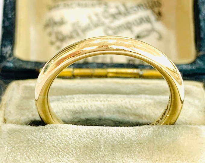 Vintage 9ct yellow gold Wedding ring with utility mark - Birmingham 1942 - size L - 5 1/2