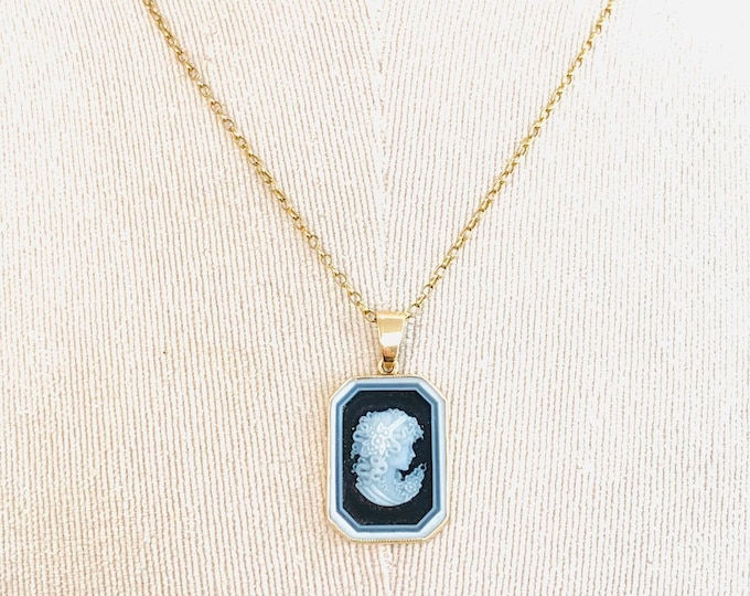 Stunning vintage 9ct yellow gold 18 inch Cameo necklace