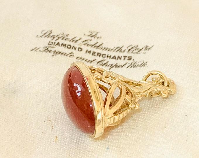 Superb vintage 9ct yellow gold Carnelian fob pendant - fully hallmarked