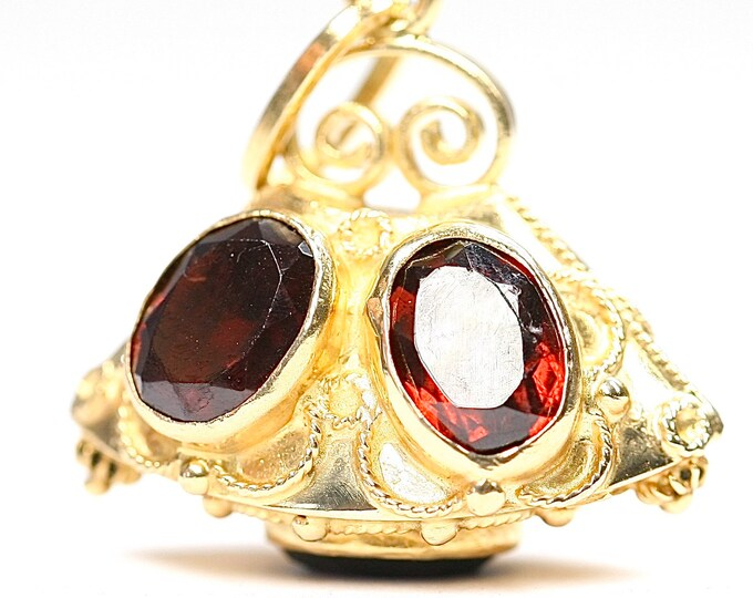 Reduced ***Superb heavy unusual vintage 18ct gold Garnet pendant- fully hallmarked- 9.1gms