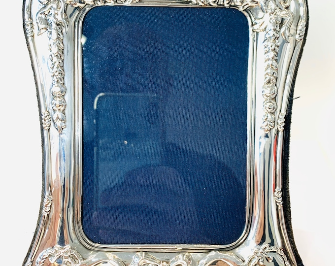 Stunning vintage sterling silver 8 x 6 inch Photograph frame - Carr's of Sheffield - Hallmarked 1990