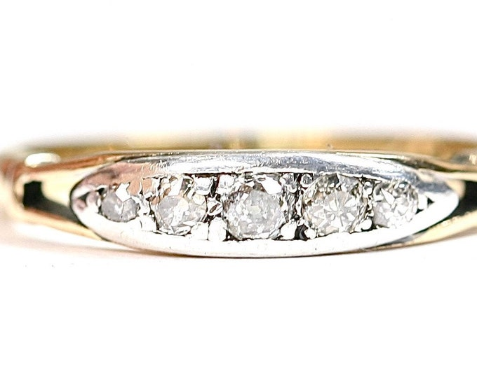 Antique 18ct gold and Platinum Diamond ring - stamped 18ct - size M or US 6