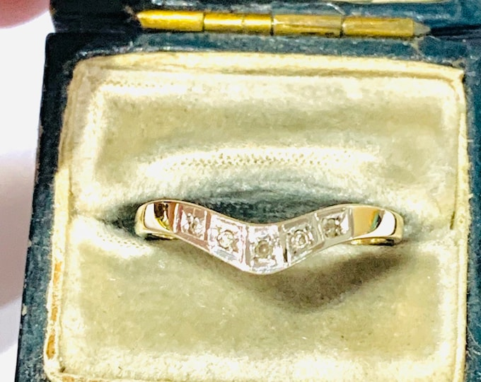 Vintage 9ct gold Diamond wishbone ring - fully hallmarked - size M or US 6