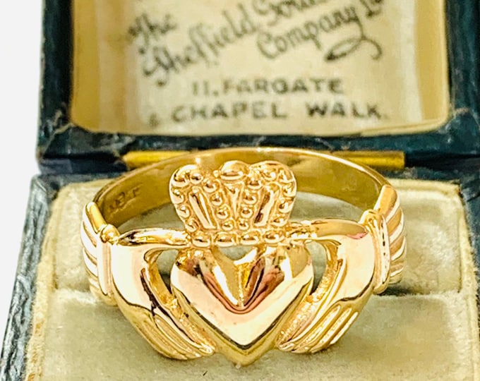 Superb vintage 10ct gold Claddagh ring - Made in Ireland - hallmarked Dublin - size U or US 10