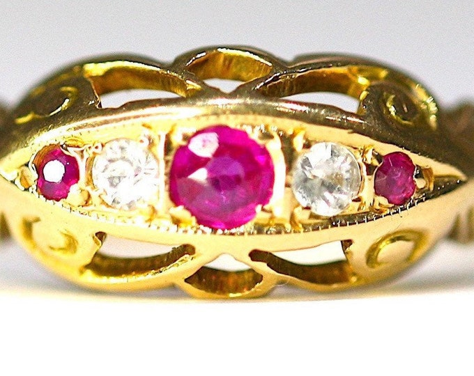 Fabulous antique 18ct gold Ruby & Diamond boat ring - SIze O or US 7