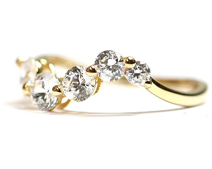 Superb sparkling 14k gold Cubic Zirconia waveform ring - fully hallmarked - size K or US 5